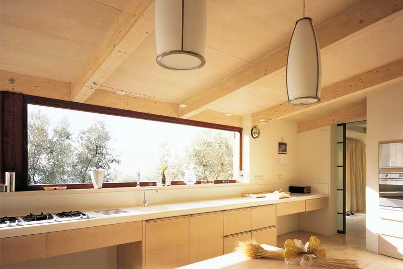 Tetti in legno coperture travi in lamellare costantini for Lacost case in legno