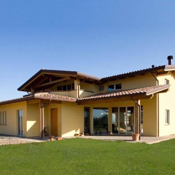 Casa a due piani umbria costantini sistema legno - Case a due piani interni ...