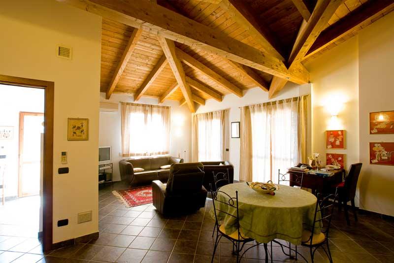 LACOST Case in legno Umbria interni