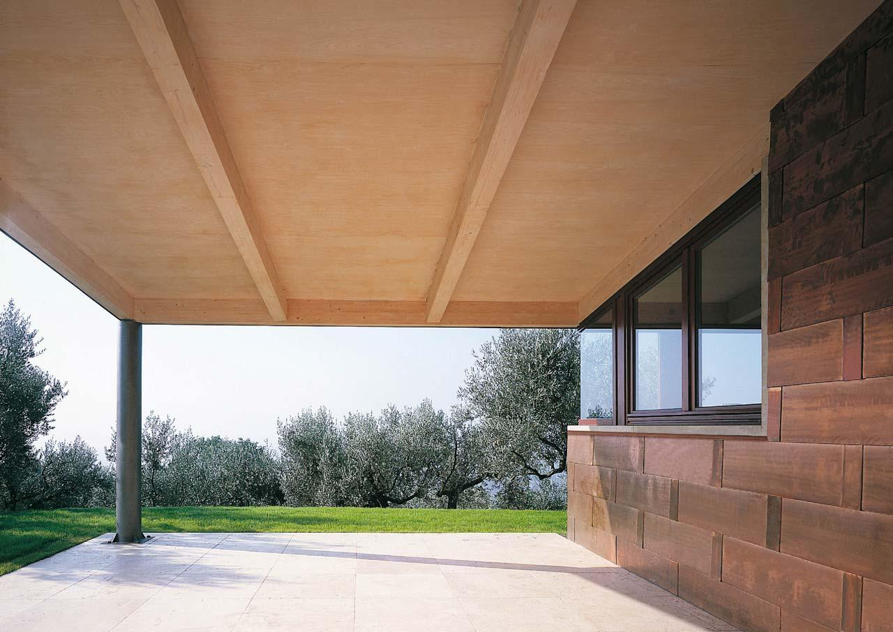 Casa a due piani assisi umbria costantini sistema legno for Aprire piani casa seminterrato