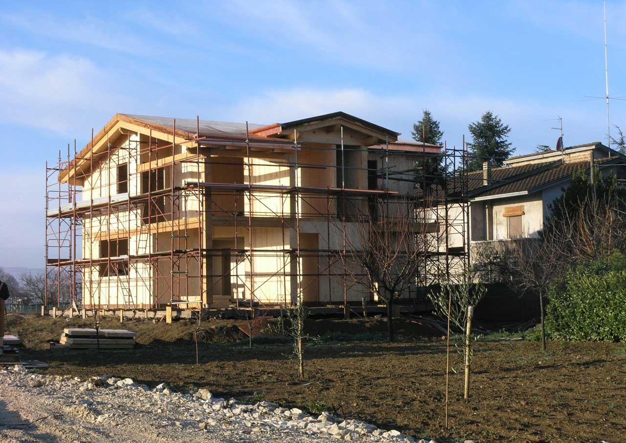 Casa a due piani perugia 2 umbria costantini sistema for Piani di casa bungalow 2 piani