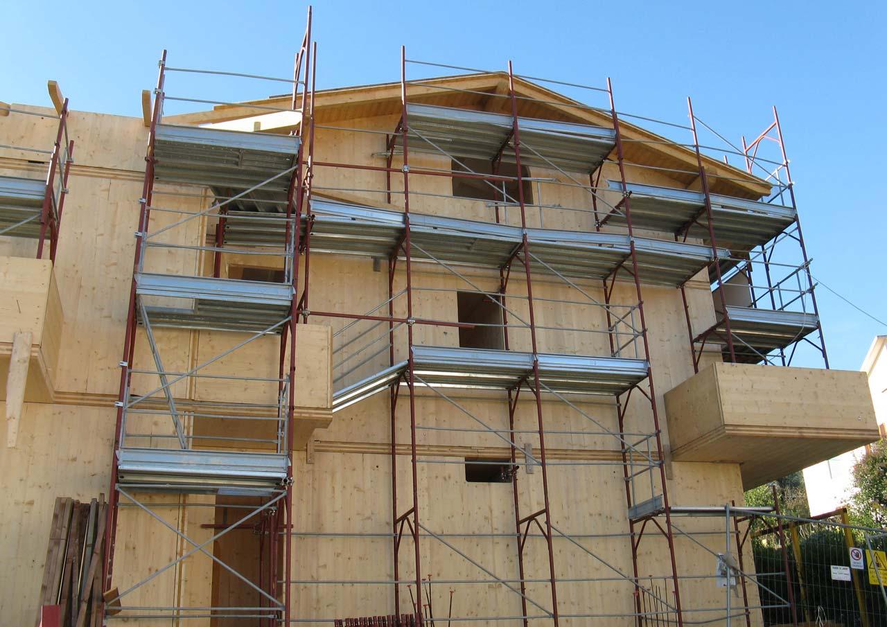 Casa a tre piani lazio costantini sistema legno for Piani casa casa tudor