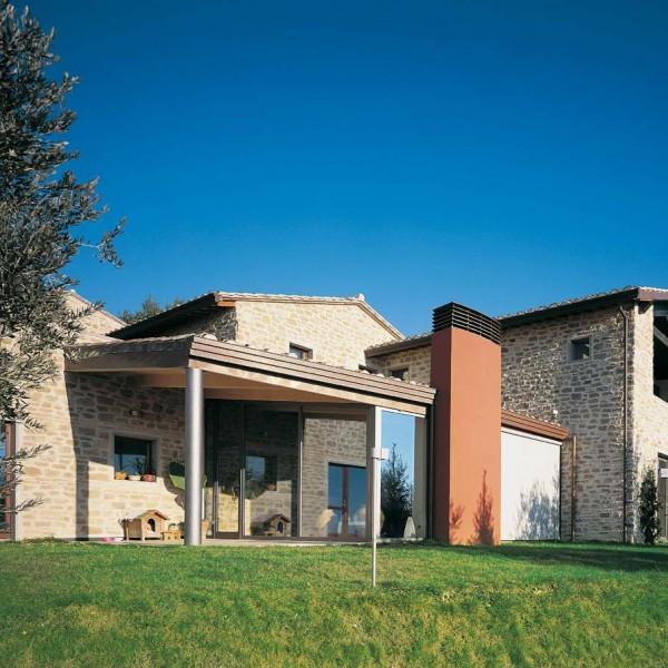 Casa a due piani perugia 2 umbria costantini sistema for Piani di costruzione casa con costo stimato