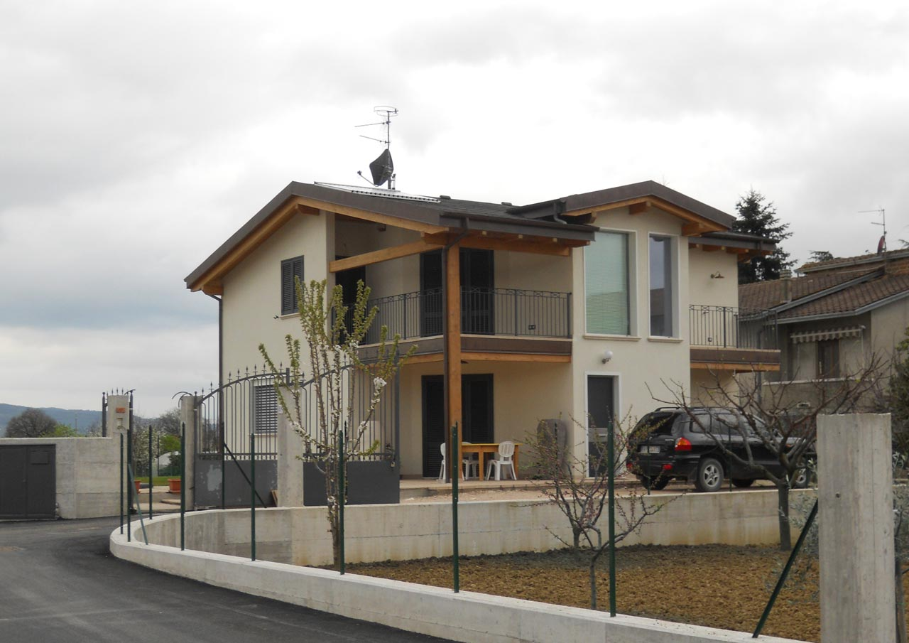 Casa a due piani perugia 2 umbria costantini sistema for Piani casa com