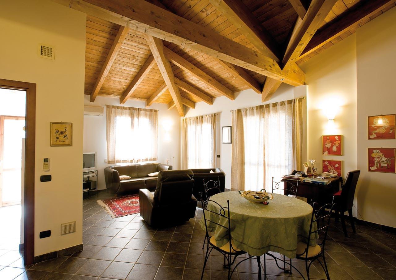 Casa a un piano emilia romagna costantini sistema legno - Interni case in legno ...