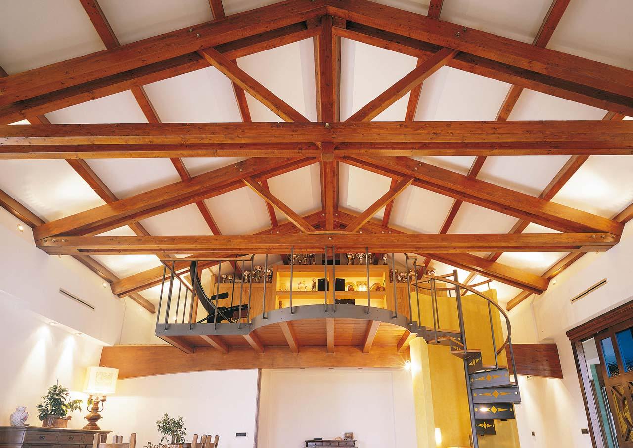 Casa a due piani interni costantini sistema legno for Foto di case a tre piani
