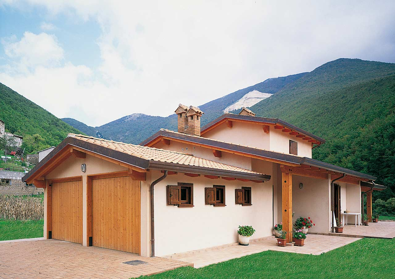 Casa a due piani umbria 2 costantini sistema legno for Piani casa americana