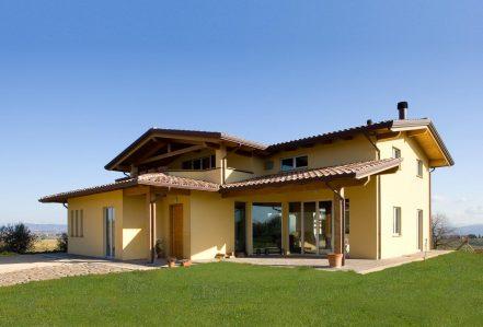 Case strutture e tetti in legno lamellare costantini for Case prefabbricate puglia