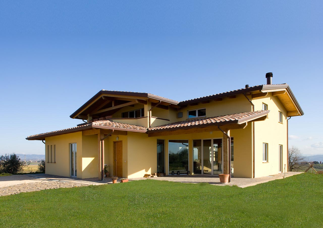 Casa a due piani umbria costantini sistema legno for Case di tronchi contemporanei