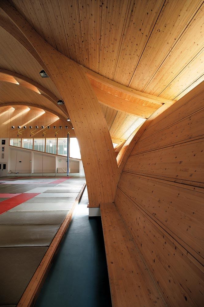 Copertura in legno centro sportivo universitario Siena