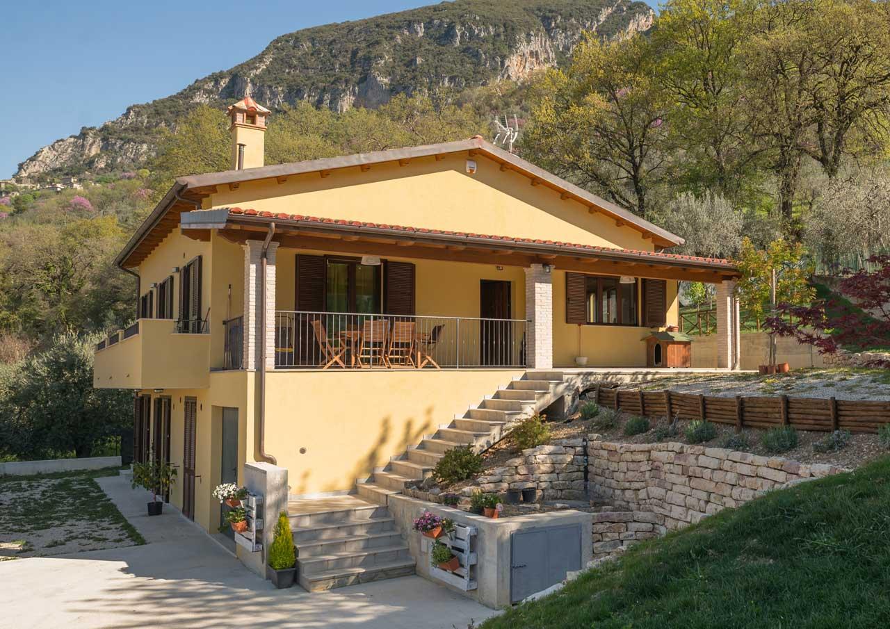 Casa in legno terni costantini sistema legno for Galimberti case legno